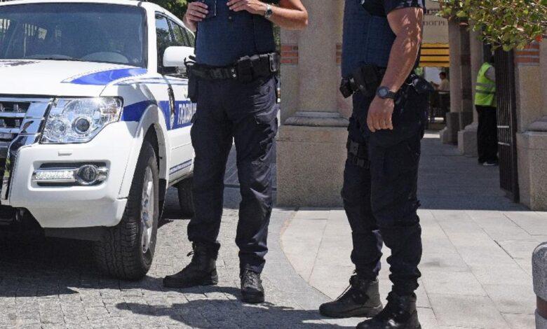 1562749 policija foto dado ls