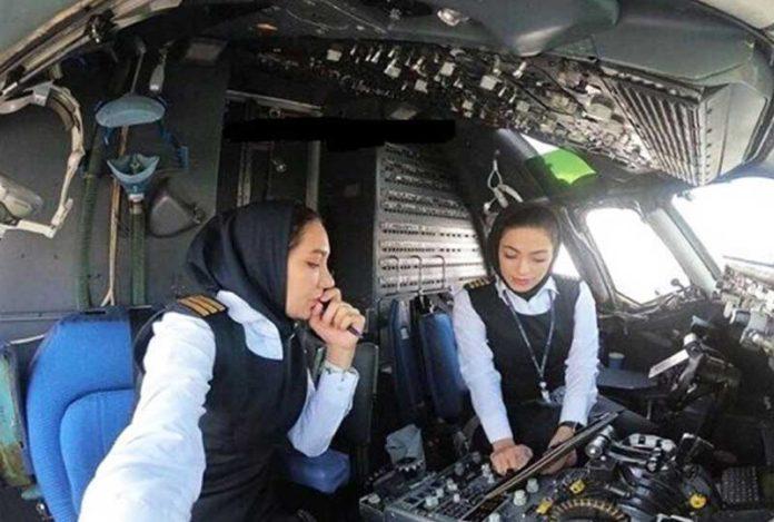 zene piloti iran 696x469