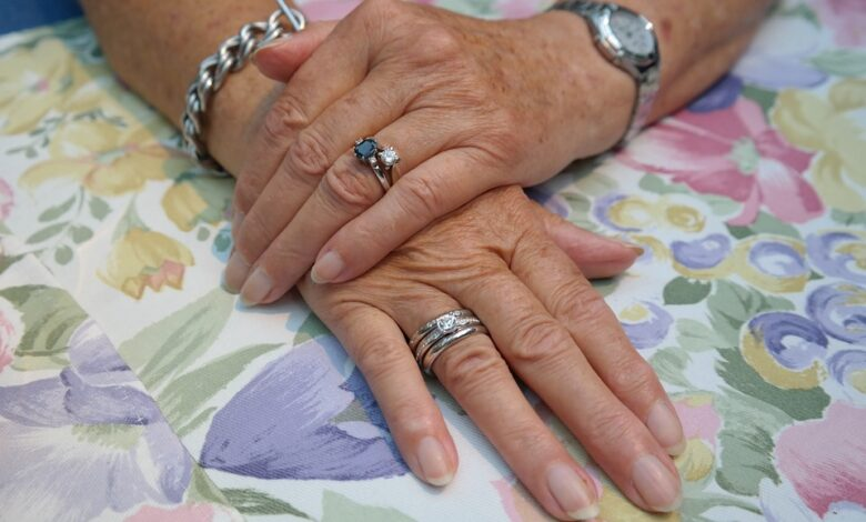 hands 195653 960 720