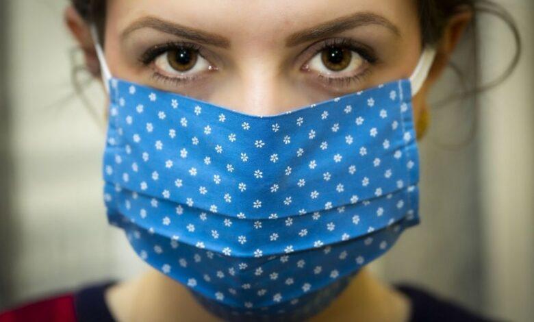 maska koronavirus covid19 epidemija zaraza djevojka pixabay