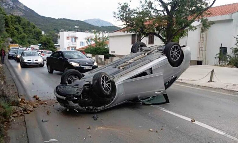 prevrnut auto 2