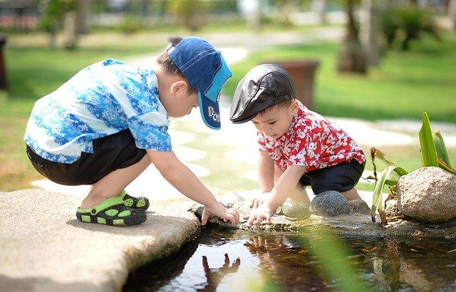 Pedijatri upozoravaju – pogledajte koje igračke i stvari djeci ne trebaju biti nadohvat ruke