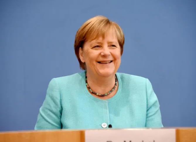 Merkel: Ne morate se zvati Erika ili Klaus da biste bili Nijemci